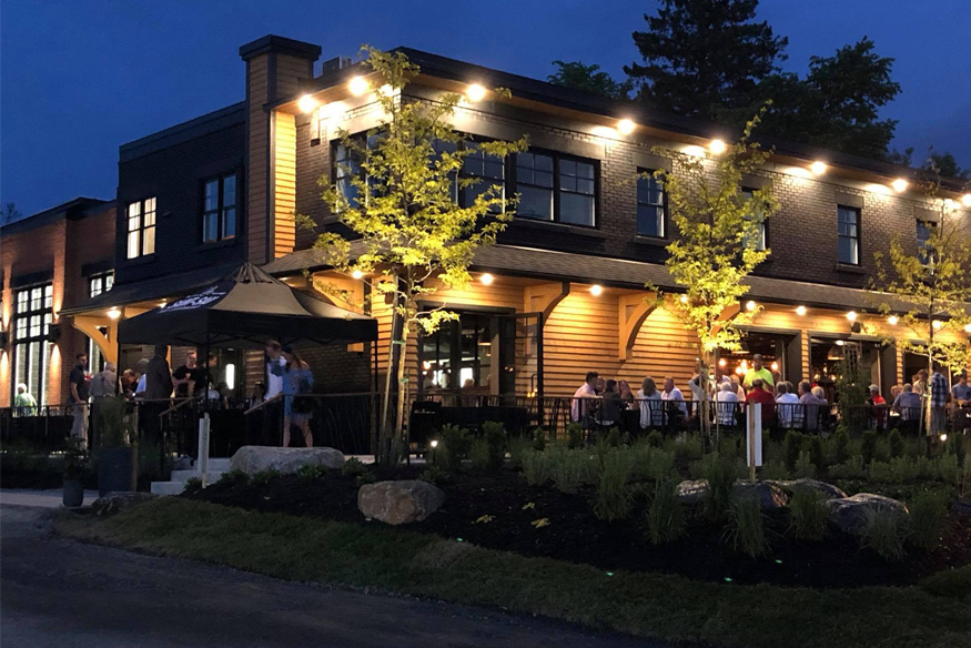 https://shawbridge.ca/wp-content/uploads/2018/05/microbrasserie-shawbridge-restaurant.jpg